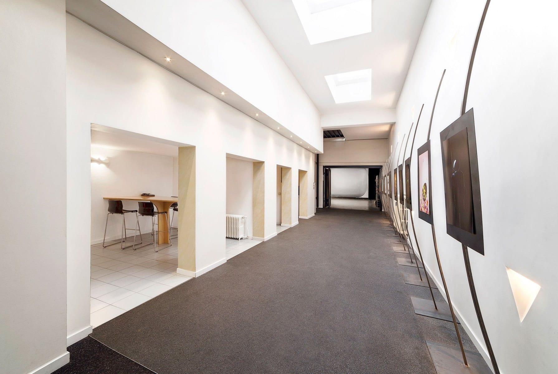 MeltingProd-studio-rental-couloir